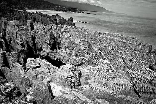 Punakaiki Rocks 2 by Jonathan Hansen