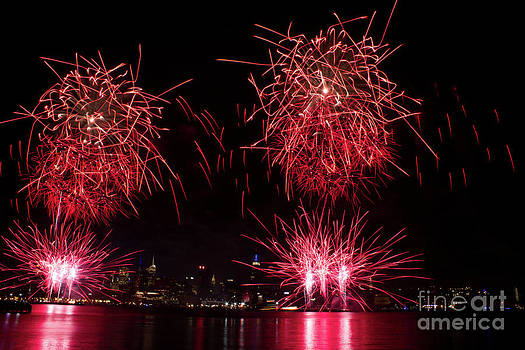 Random Pattern Fireworks by Archana Doddi