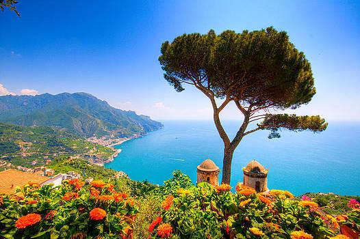 Francesco Riccardo  Iacomino - Ravello from the Amalfi Coast