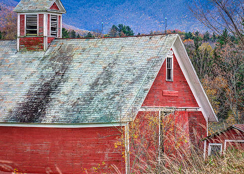 Red Barn 3731 by Ken Brodeur