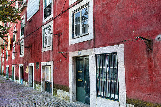 Nathan Mccreery - Red Building  Lisboa Portugal
