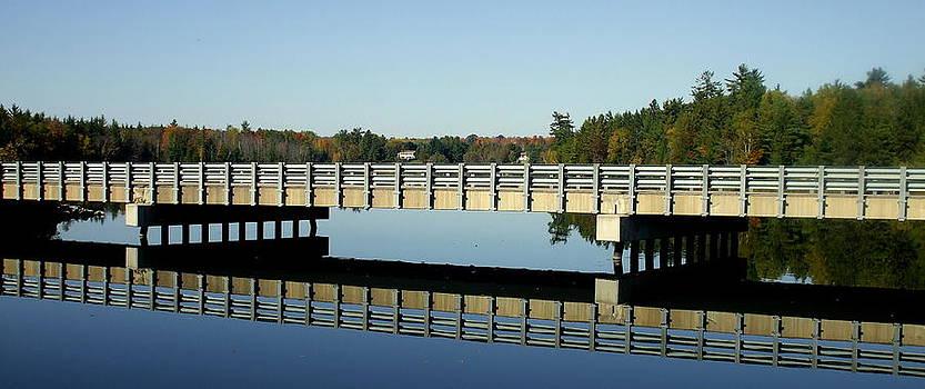 Amalia Jonas - Reflecting a simple bridge
