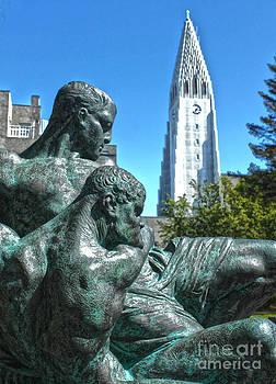 Gregory Dyer - Reykjavik Iceland statue - 05