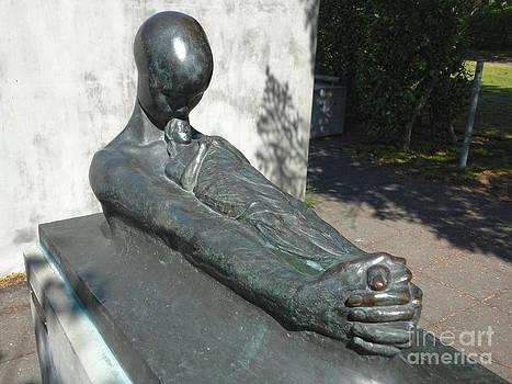 Gregory Dyer - Reykjavik Iceland statue - 07