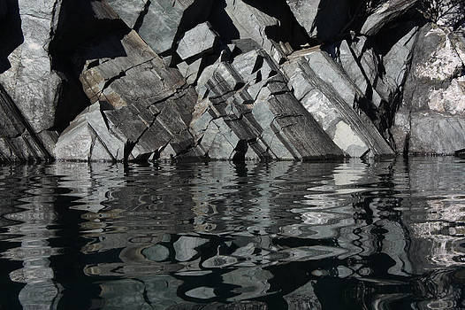 Cathie Douglas - Rocks Liquify