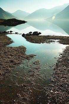 Svetlana Sewell - Rocks on the beach