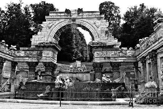 Pravine Chester - Roman Ruins at Schonbrunn