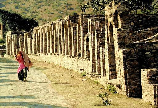 Ruins of Bhangarh by Atul Tater