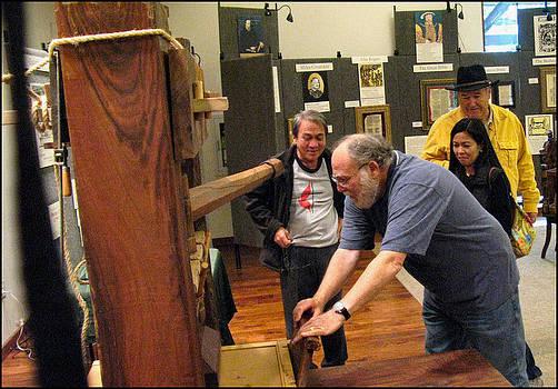 Glenn Bautista - Rusty making a Print 2009