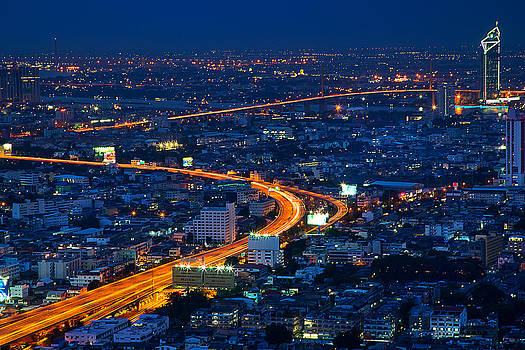 S Curve at bangkok city night scene by Arthit Somsakul