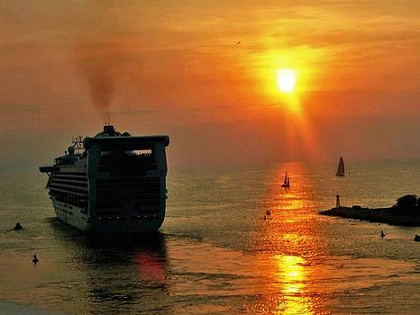 Gary Wonning - Sailing into the Sunset