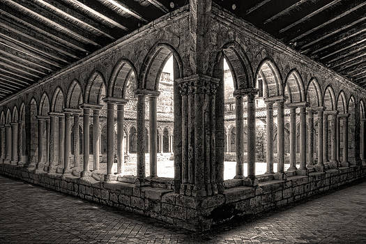 Wes and Dotty Weber - Saint Emilion Cloister