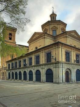 San Fermin Chapel by Alfredo Rodriguez