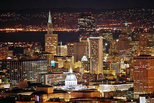 San Francisco at night by Lucas Tatagiba