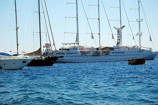 Harvey Barrison - Santorini Harbor
