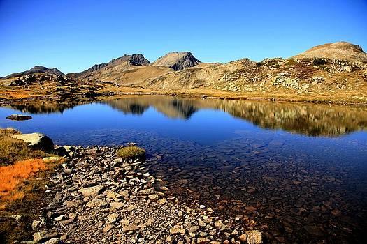 Sapphire Lake by Frederic Vigne