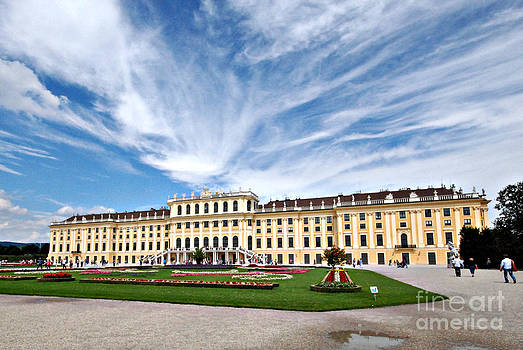 Pravine Chester - Schonbrunn Palace