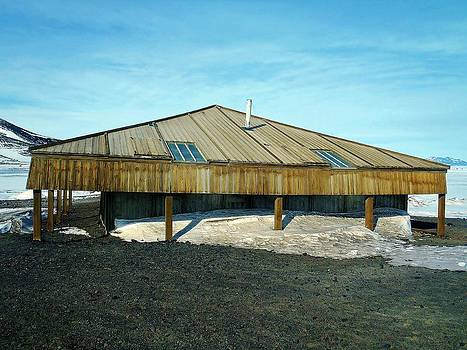 Scott's Hut 02 - McMurdo Base by David Barringhaus