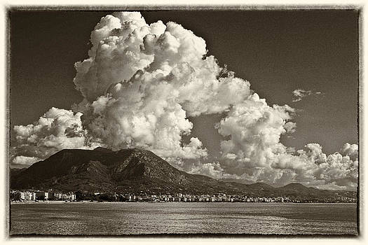 Sea by Michael Levchenko