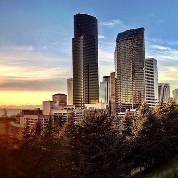 Seattle Skyline by Chris Fabregas