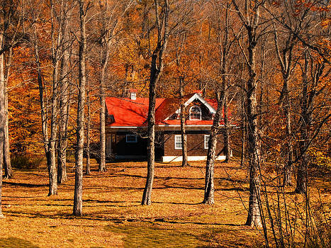 Chantal PhotoPix - Secluded Red Roof Cottage in an Autumn Scene