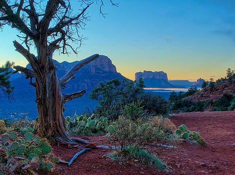 Sedona Sunrise by Kenneth Eis