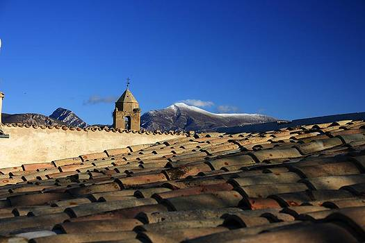 Shadows on the roof by Frederic Vigne