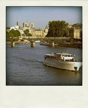 BERNARD JAUBERT - Sightseeings on the river Seine in Paris