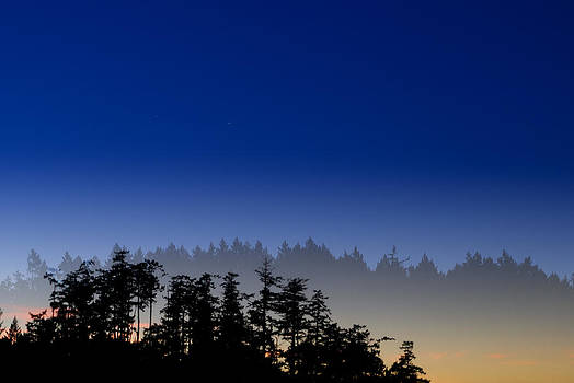 Silhouette Sunrise by Colin Sands