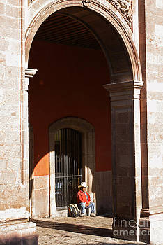 John  Mitchell - SITTING UNDER THE ARCHES San Miguel de Allende Mexico