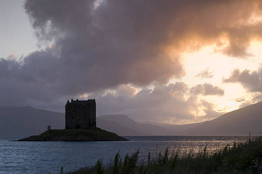 Howard Kennedy - Skies Ablaze at Castle Stalker