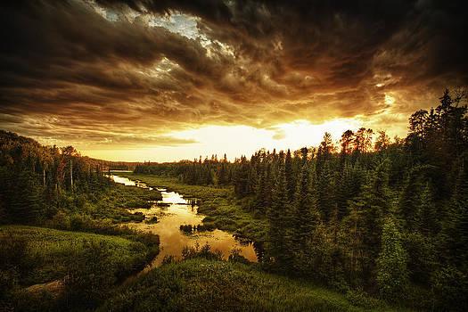 Sky Valley by Stuart Deacon