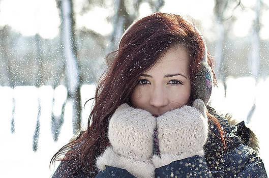 Snow by Catalin Scarlat