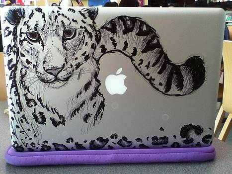 Snow Leapard Macbook by Karina Alfaro