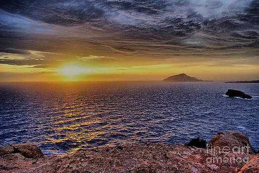 Sounio - Aegean Sea by Hristo Hristov