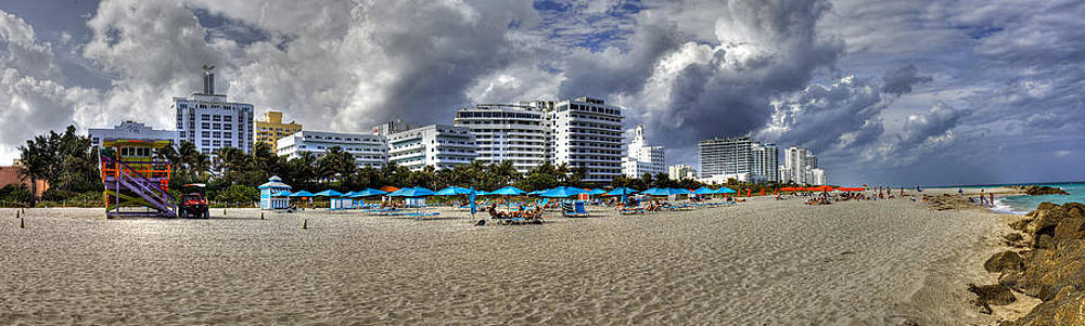 South Beach at the RIU by  Samdobrow  Photography
