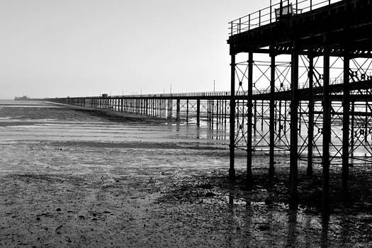 Southend Pier by Prateek Sabharwal