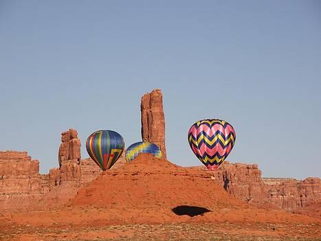 FeVa  Fotos - Square Dancing Balloons