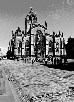 Pravine Chester - St Giles Cathedral in Monochrome