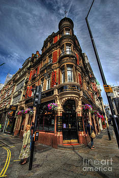 Yhun Suarez - St James Tavern - London