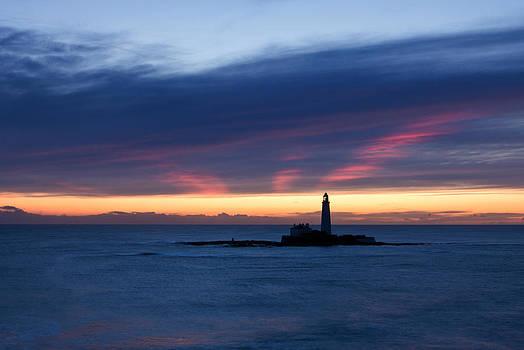 David Pringle - St Marys Lighthouse Sunrise