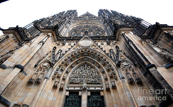 Pravine Chester - St Vitus Cathedral
