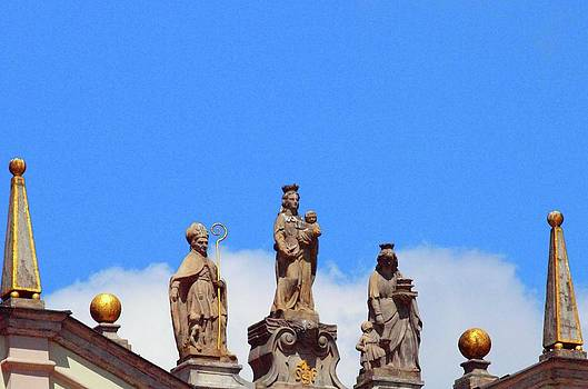 Tammy Bullard - Statues on Steeple