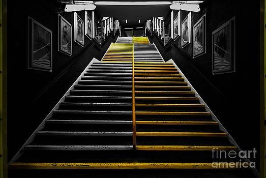 Yhun Suarez - Step By Step