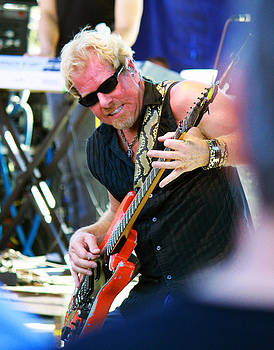 Dennis Jones - Still Rockin