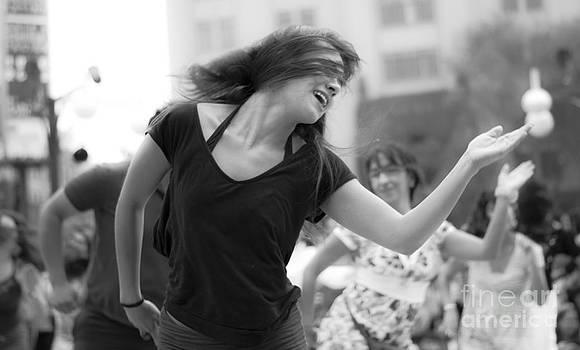 Street Dancers by L E Jimenez