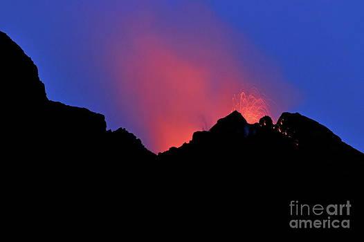 Sami Sarkis - Stromboli Volcano erupting
