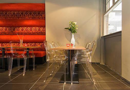 Stylish Restaurant Interior by Corepics