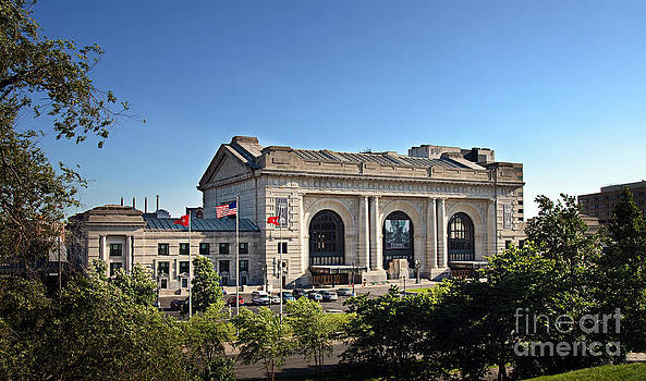 Andee Design - Sun Rising On Union Station In Kansas City