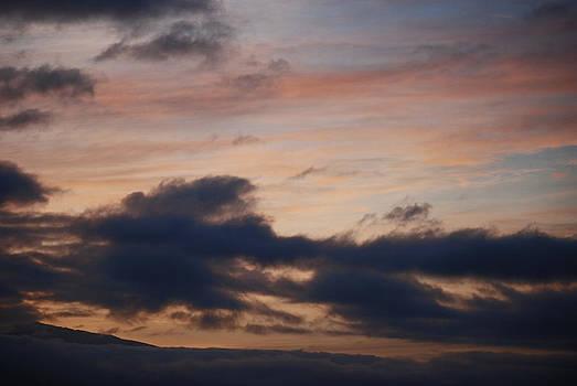 Harvey Barrison - Sunrise at Isabela
